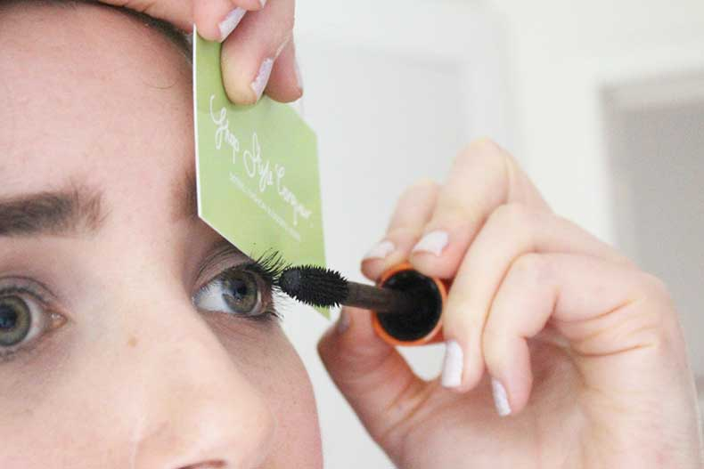 beauty-hacks-business-card-mascara