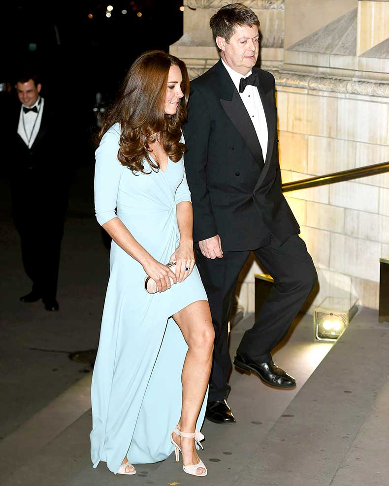 1413919453_kate-middleton-blue-zoom
