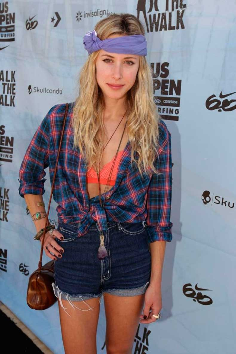 572758-gillian-zinser-au-hurley-walk-the-walk-637x0-2