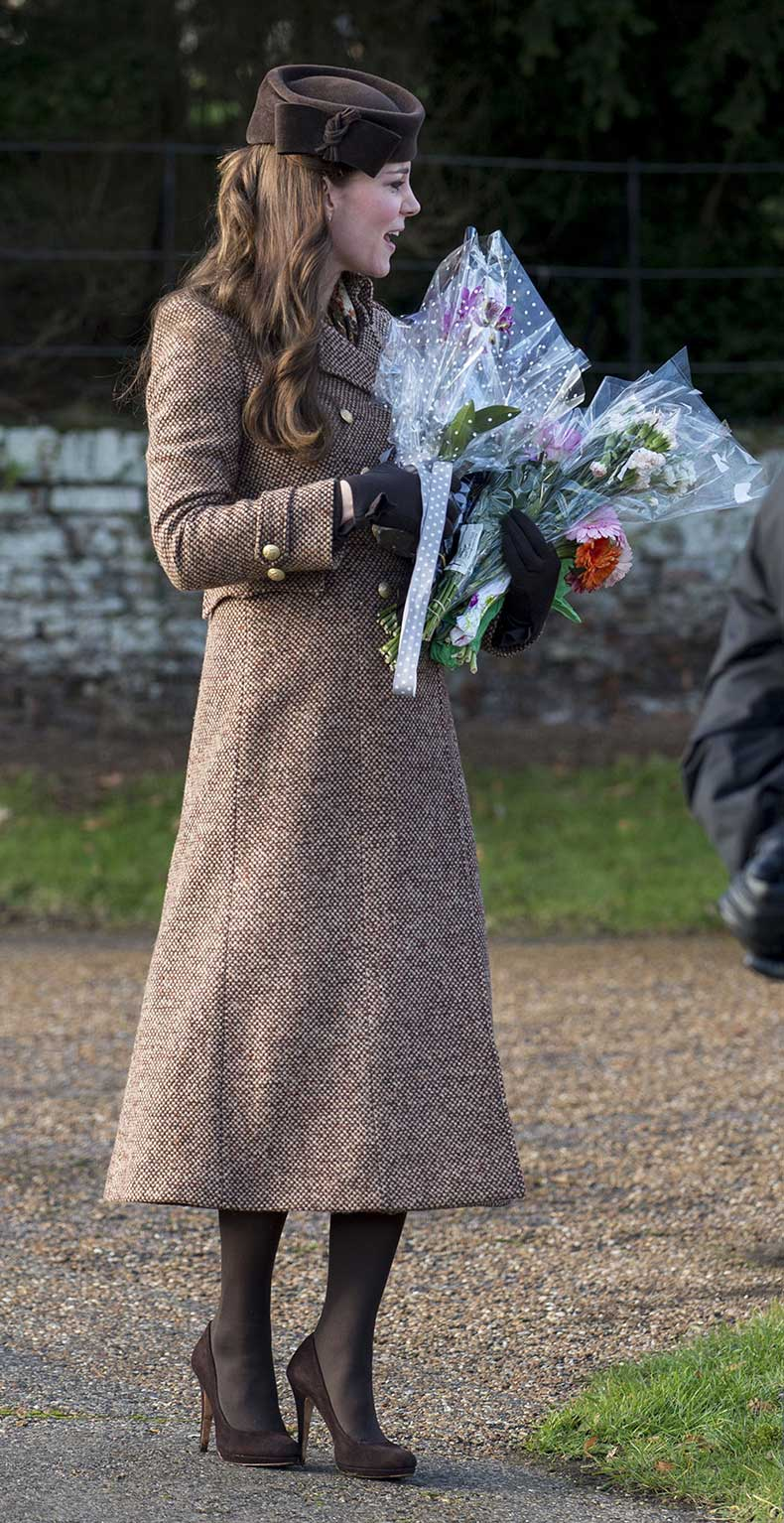 KATE-MIDDLETON-at-Christmas-Day-Service-in-Sandringham-5