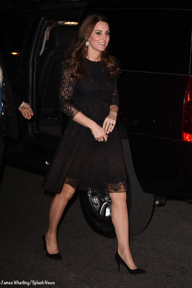 Kate-NYC-Black-Lace-Dress-Private-Reception-Dinner-Friends-of-Foundation-Whatling-Splash-800-x-1200