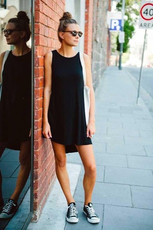 Street-Style-Easy-Black-Dress-Fashion