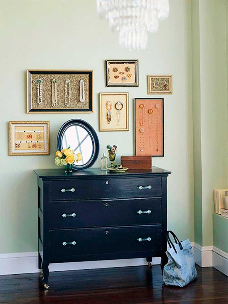 framed-jewelry-bhg