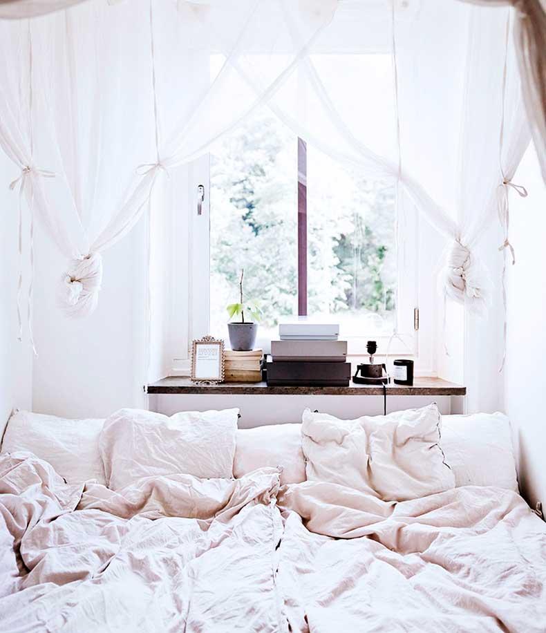 oracle-fox-sunday-sanctuary-small-house-tiny-spaces-minimalist-white-interior-scandinavian-style-1