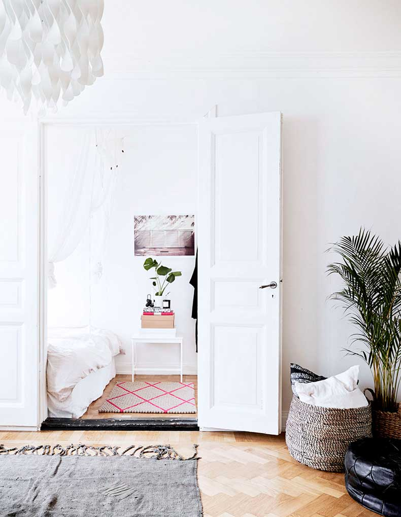 oracle-fox-sunday-sanctuary-small-house-tiny-spaces-minimalist-white-interior-scandinavian-style-10
