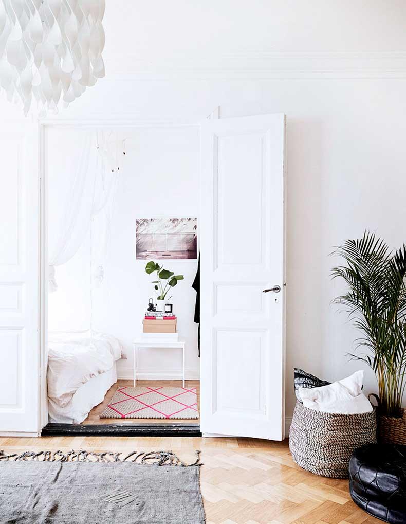 oracle-fox-sunday-sanctuary-small-house-tiny-spaces-minimalist-white-interior-scandinavian-style-10