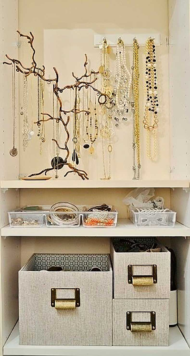 using-two-shelves-my-closet-my-jewelry-neatly-organized