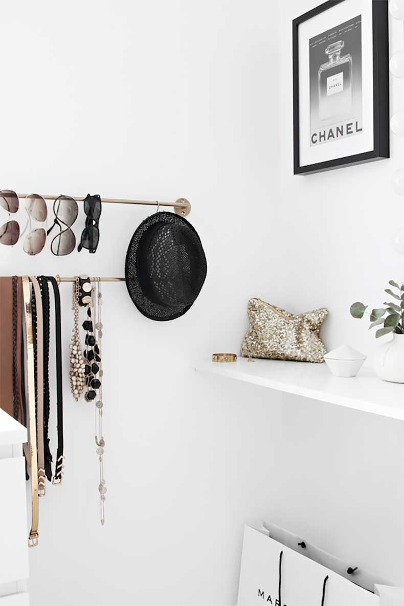 3-Le-Fashion-Blog-A-Fashionable-Home-Minimal-Bright-Walk-In-Closet-Scandinavian-Minimal-Interior-Design-Storage-Via-Stylizimo