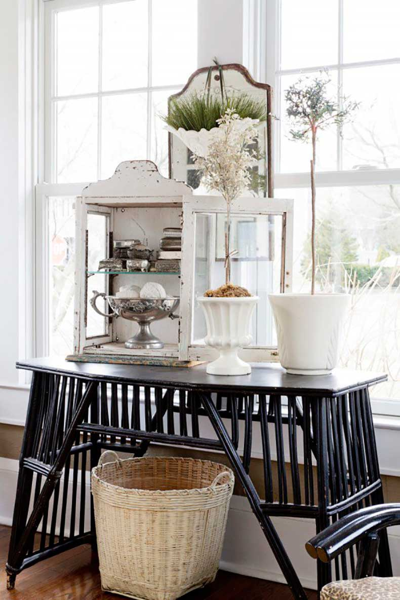Joanna-Madden-Cottage-Decorating-Rikki-Snyder-Photography-Style-Me-Pretty-Living-Home-Tour-Vintage1-600x899