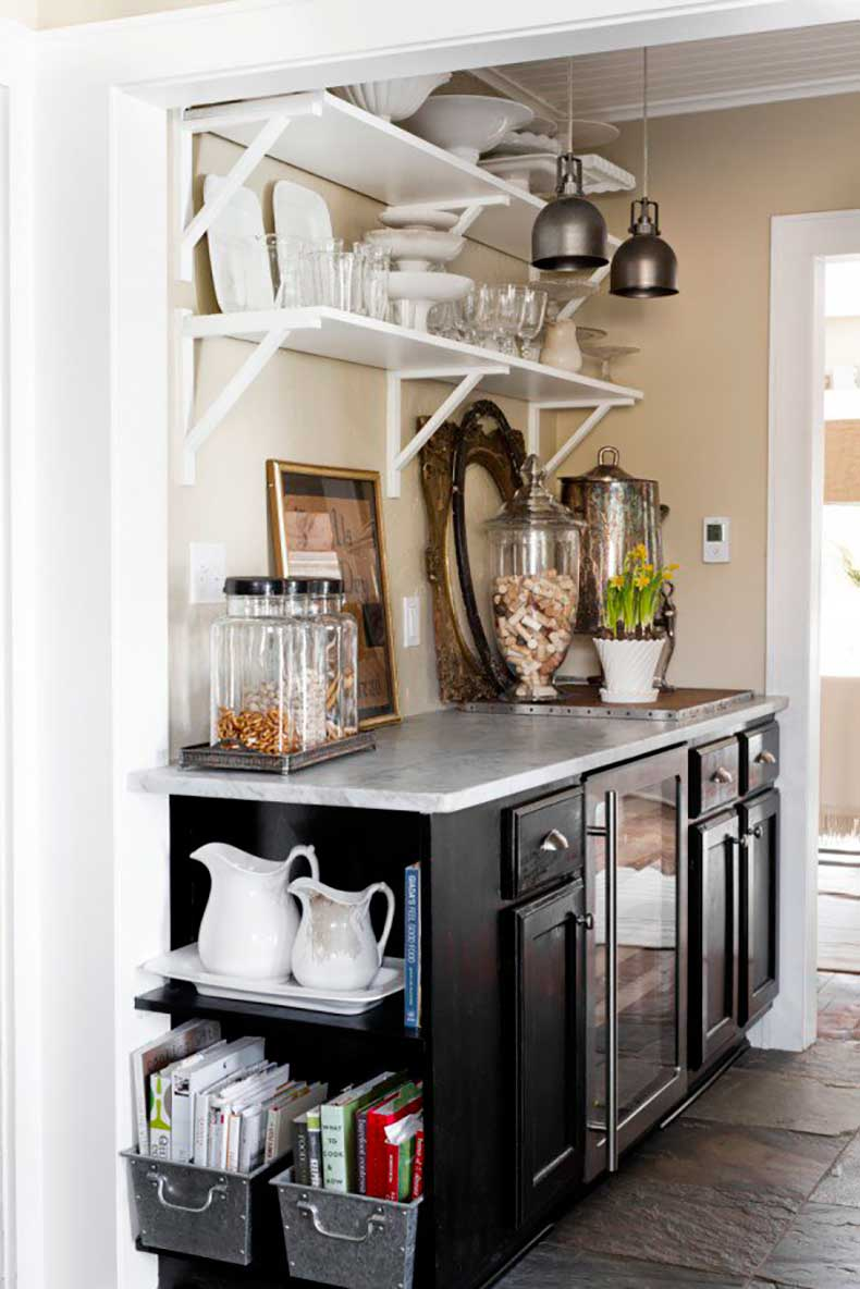 Joanna-Madden-Rikki-Snyder-Photography-Style-Me-Pretty-Living-Cottage-Home-Tour-Vintage-Kitchen-600x899