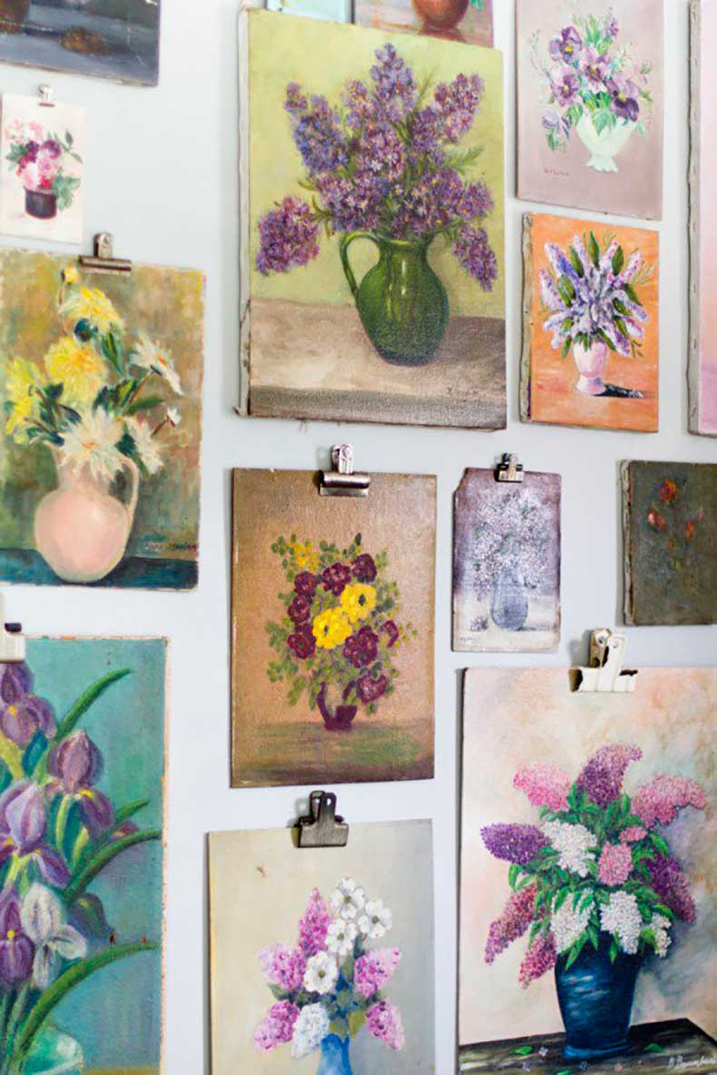 Joanna-Madden-Wall-Grouping-Rikki-Snyder-Photography-Style-Me-Pretty-Living-Home-Tour-Vintage-Floral-Paintings-600x899