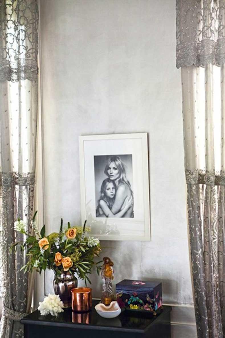 Kate-Moss-Testino-print-Vogue-27Jan15-Mike-Trow_b_426x639