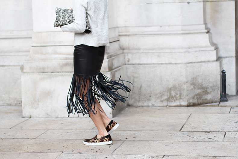 clochet-streetstyle-outfit-paris-fashion-week-eva-chen-fringe-leather-skirt-leopard-slipons-5