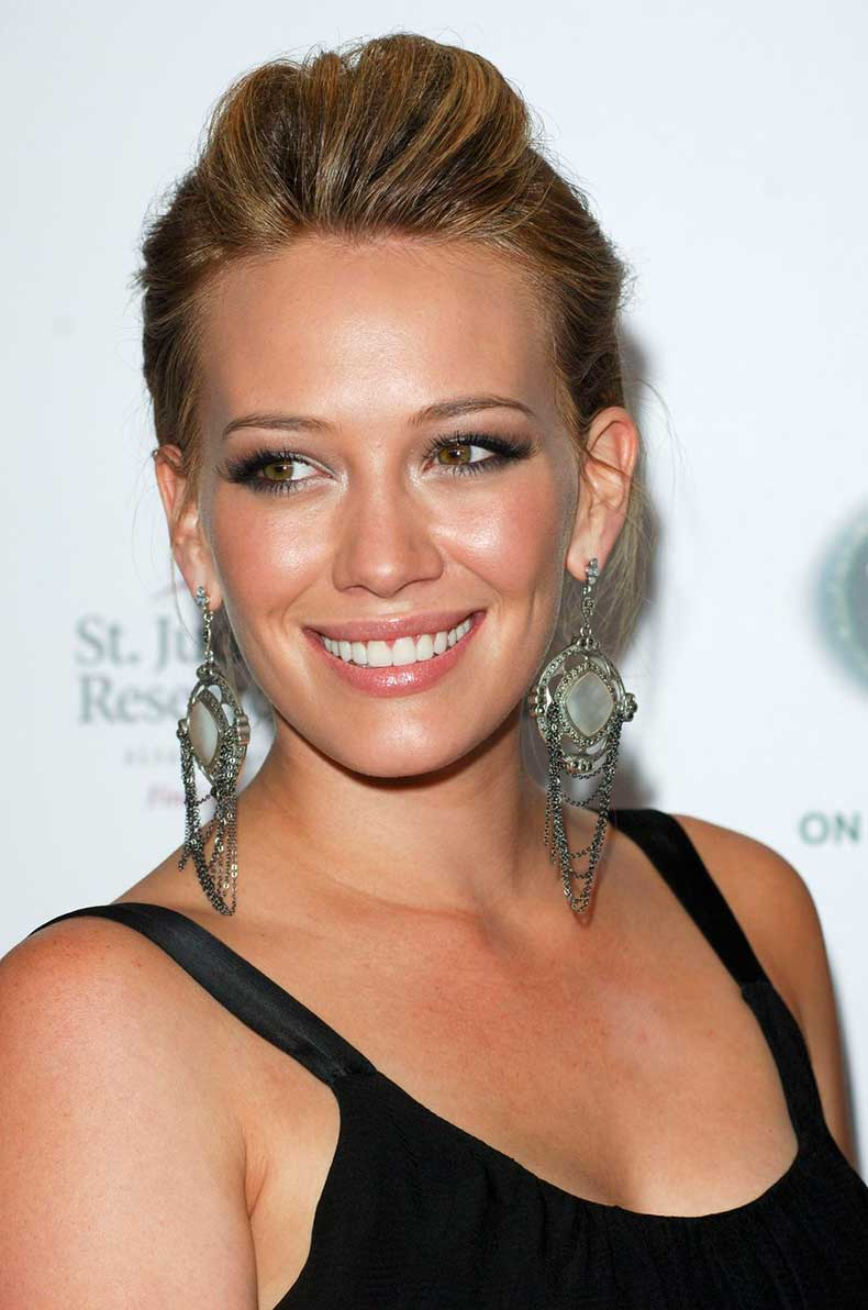hilary_duff_black_dress_blonde