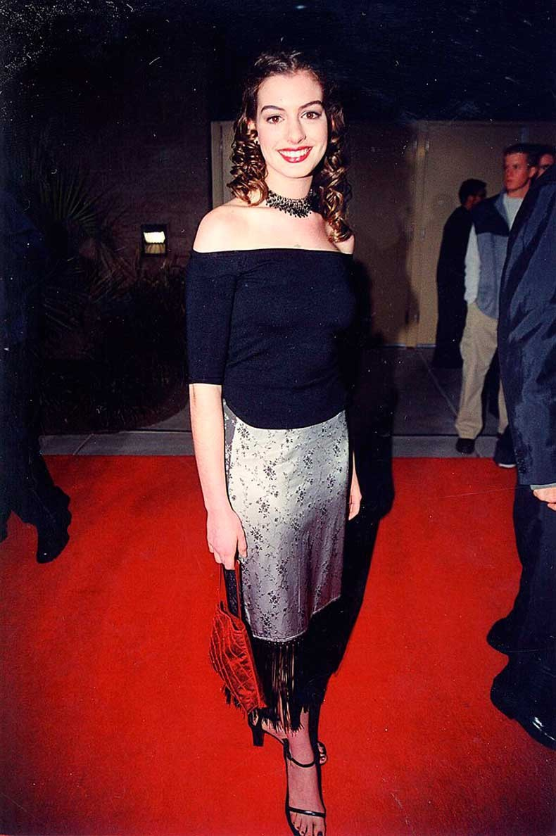Anne-Hathaway-1999