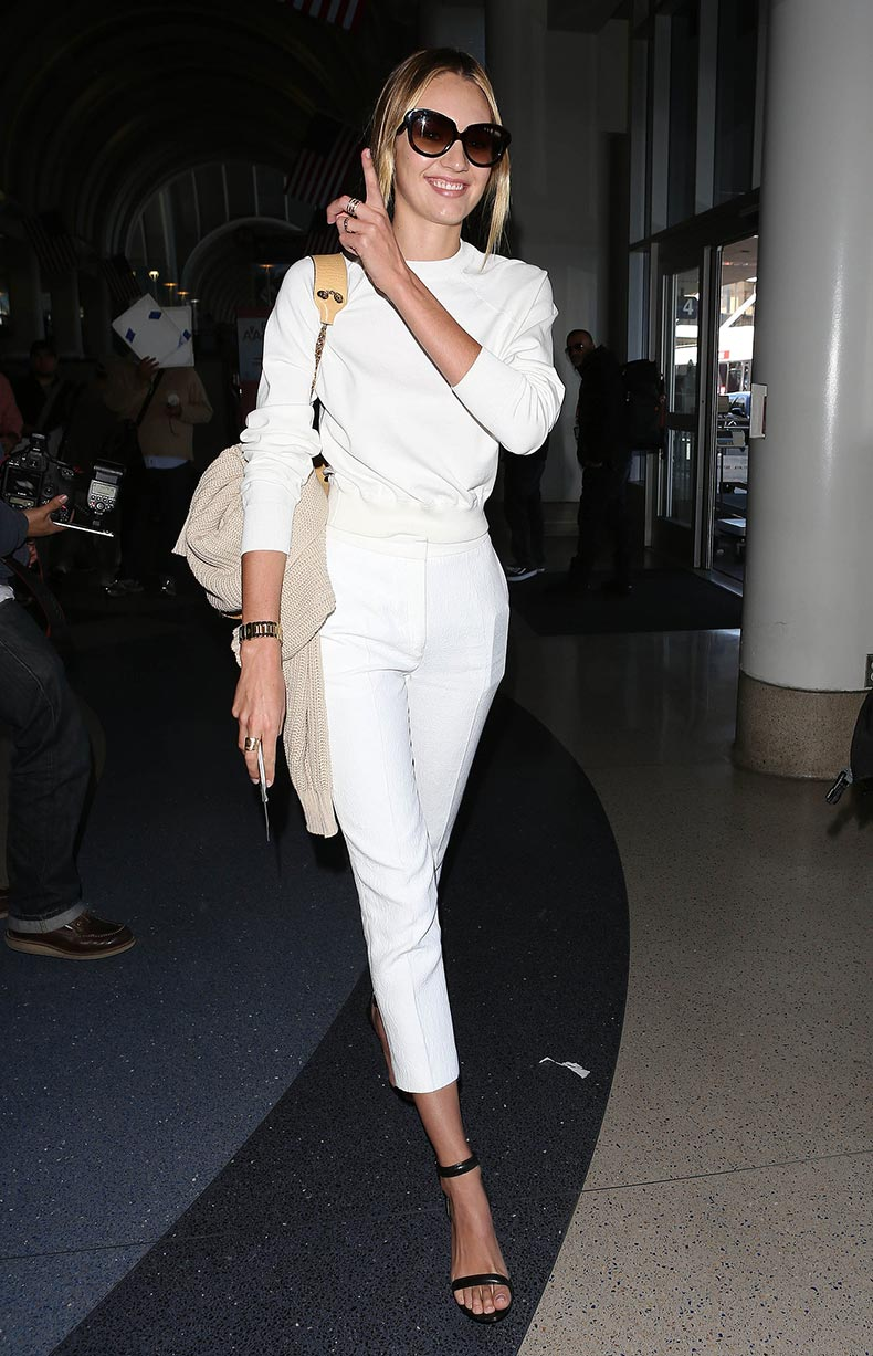 Candice-Swanepoel-worked-all-white-practical-way-fitted