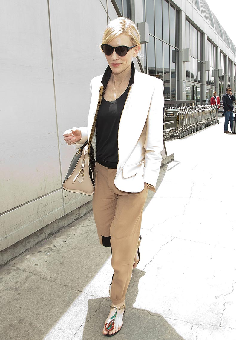 Cate-Blanchett-arrived-LAX-chic-pairing-white-blazer-tan