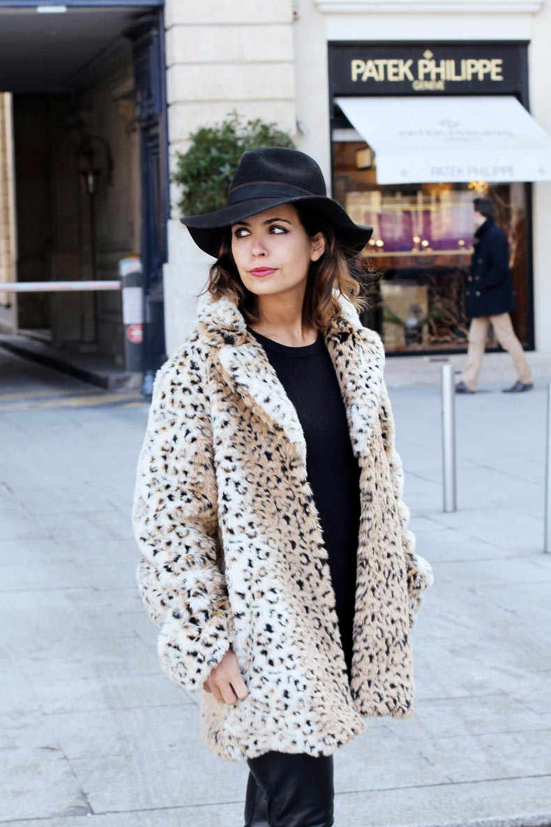Fake_Fur_Coat-Leopard-Paris_Fashion_Week-Street_Style-1
