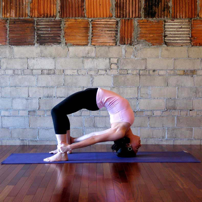 Headstand-Bow