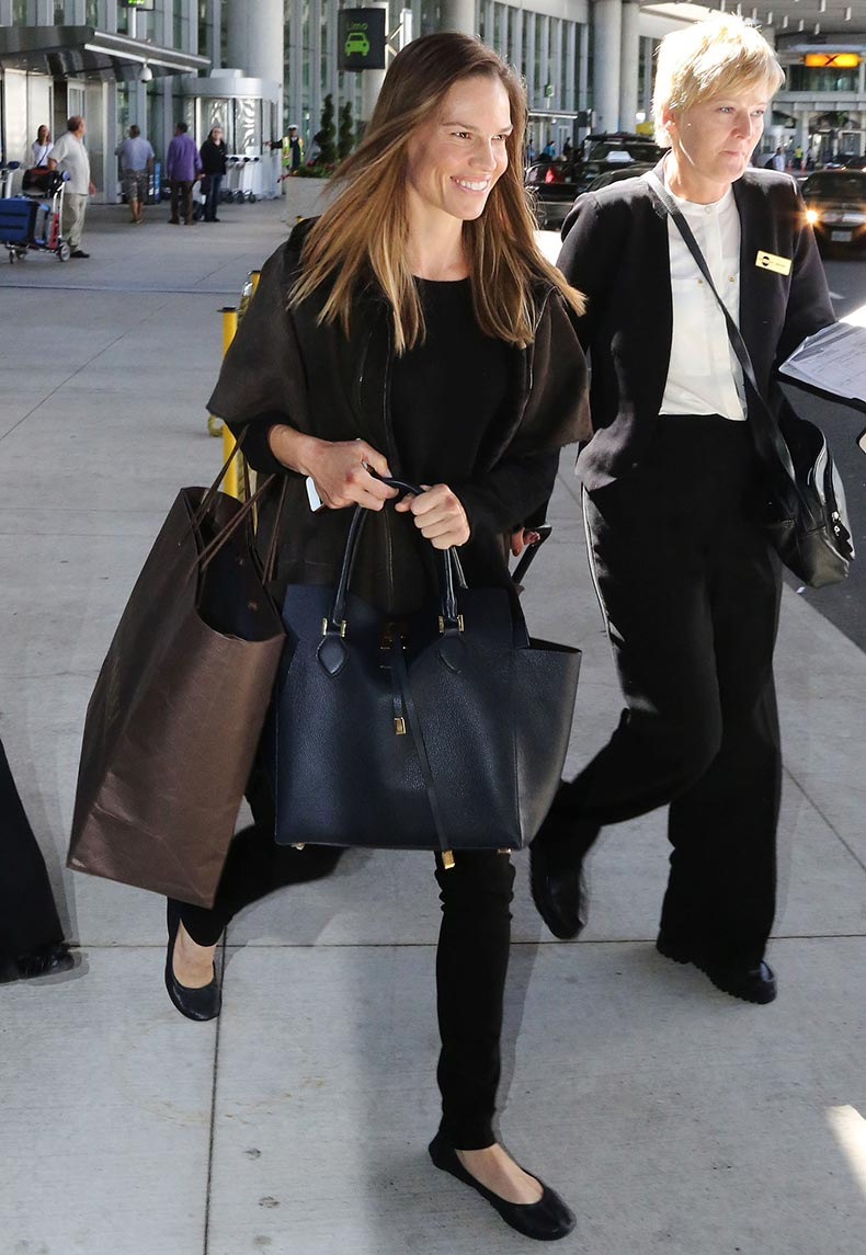 Hilary-Swank-sleek-all-black-while-arriving-airport