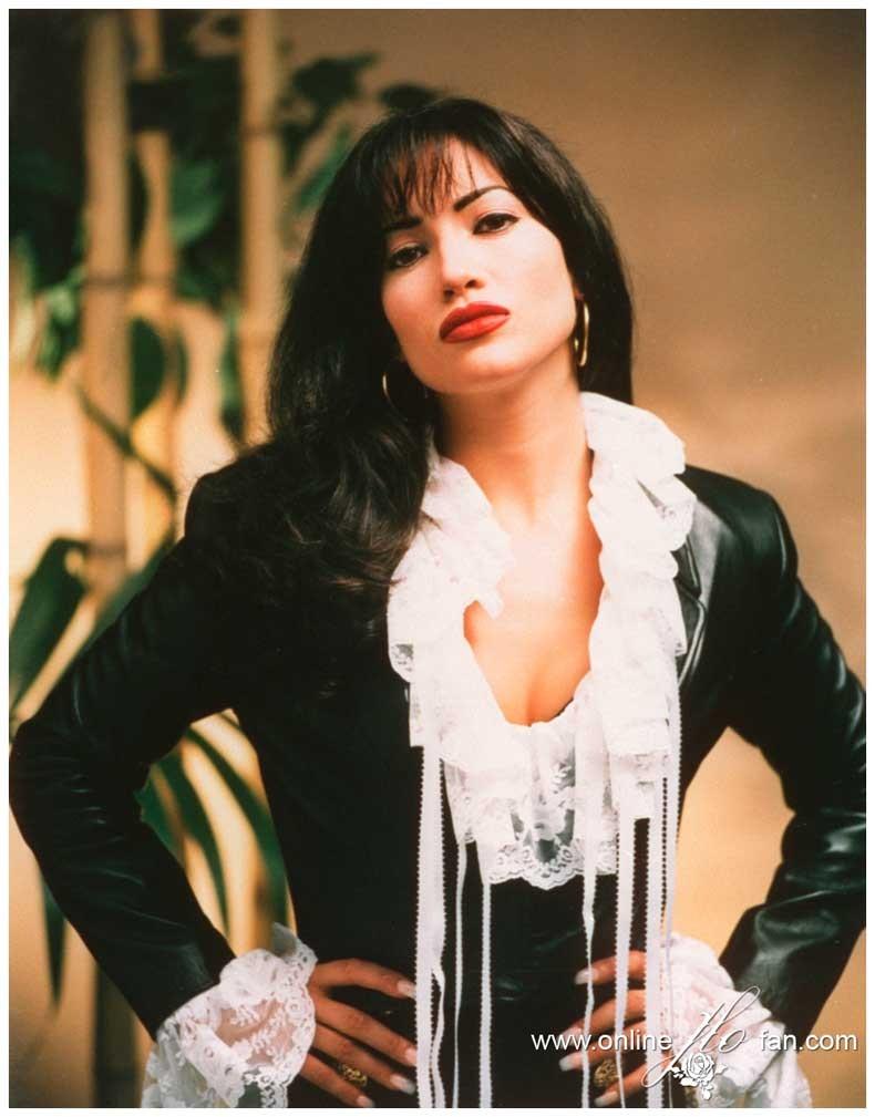 Jennifer-Lopez-selena-the-movie-28896841-1000-1277