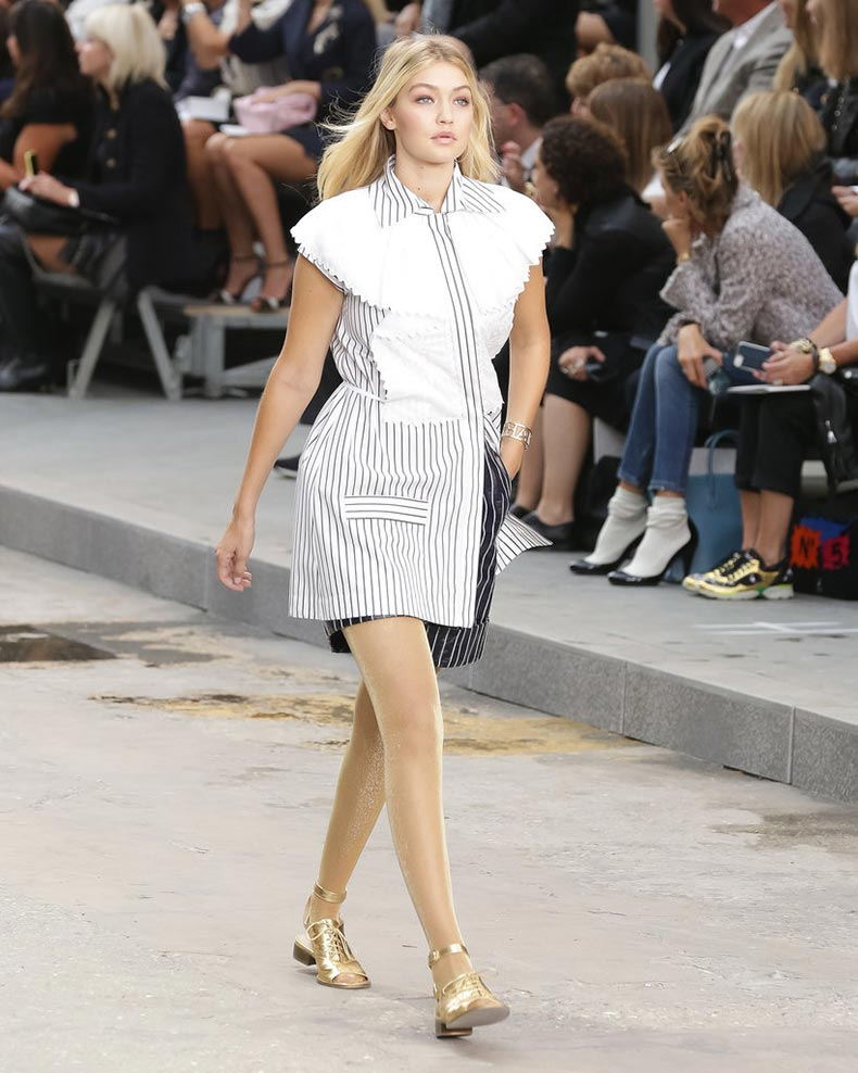 She-mastered-runway-like-here-Chanel