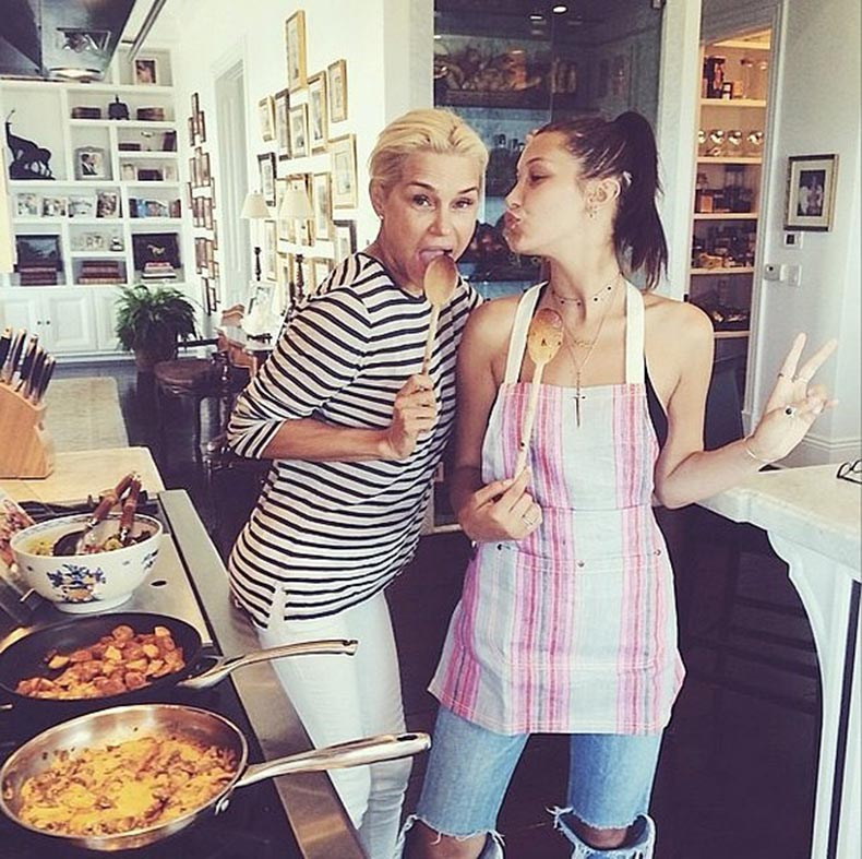 Thanks-her-model-mama-Yolanda-Foster