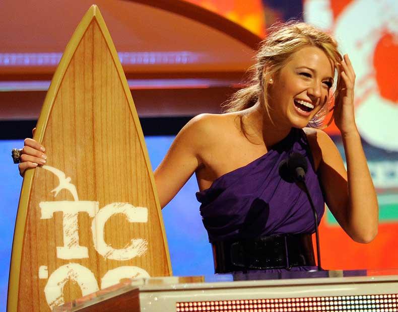 When-She-Hit-Award-Show-Circuit