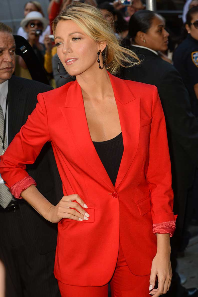 When-She-Made-Pantsuit-Look-Cool