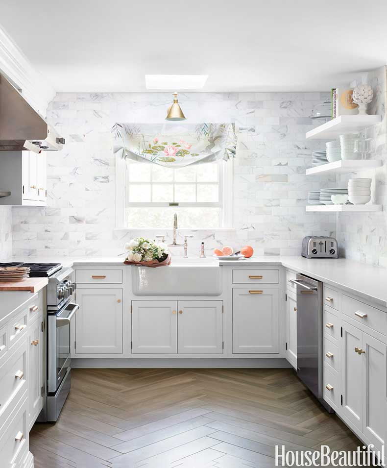 nrm_1423081656-hbx-classic-white-kitchen-0114