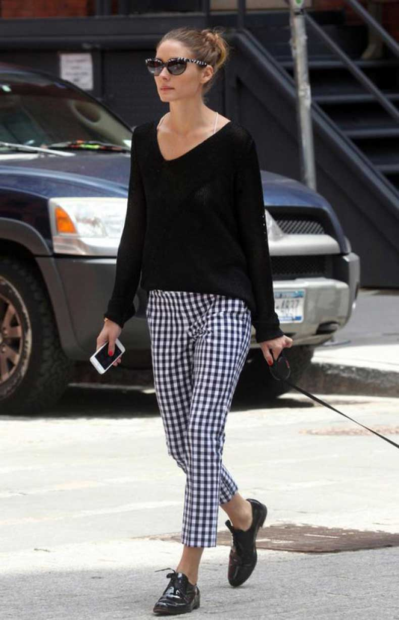 olivia-palermo-en-oxford-shoes-con-pantalon