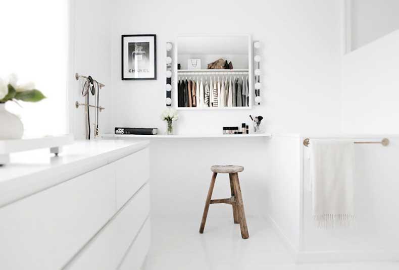 oracle-fox-sunday-sanctuary-black-white-grey-house-plants-monochrome-minimal-interior-4