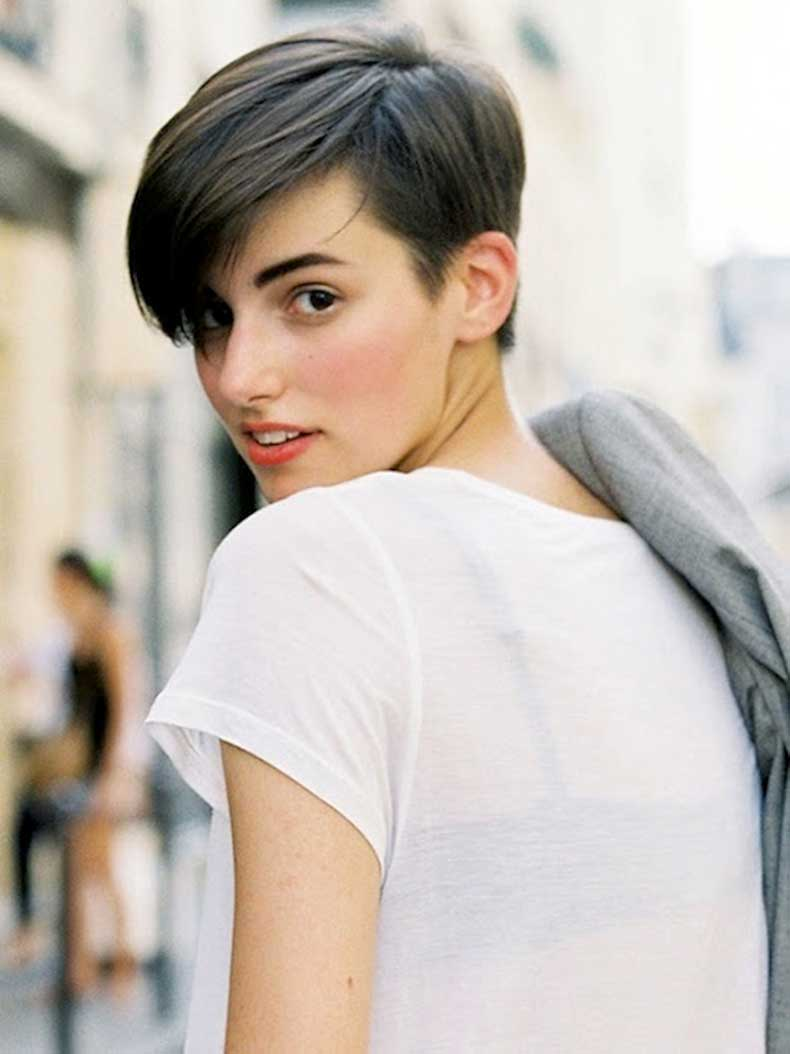 1-Le-Fashion-Blog-20-Inspiring-Short-Hairstyles-Anne-Catherine-Frey-Hair-Street-Style-Via-Vanessa-Jackman