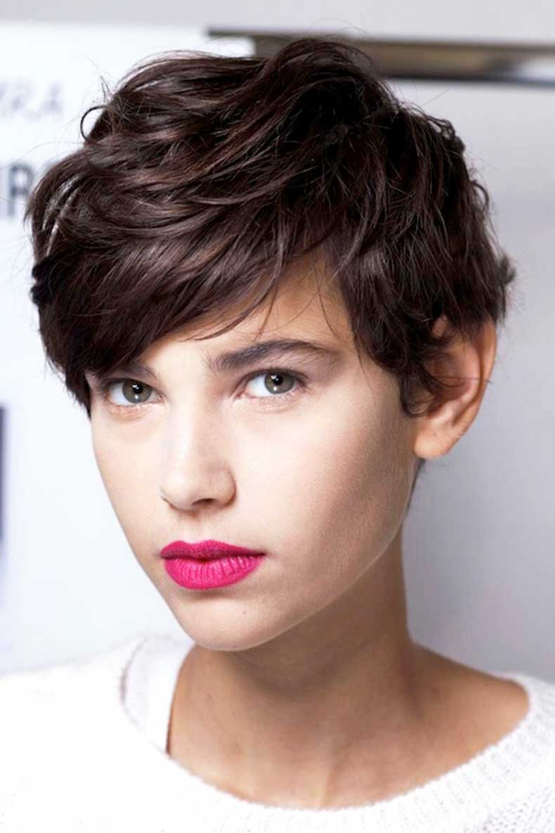 20-Le-Fashion-Blog-20-Inspiring-Short-Hairstyles-Backstage-Model-Pixie-Cut-Bright-Pink-Lipstick-Via-Elle-France