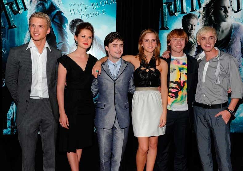 2009-Freddie-Stroma-Bonnie-Wright-Daniel-Radcliffe-Rupert-Grint-Tom-Felton