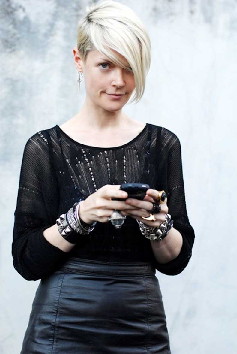 5-Le-Fashion-Blog-20-Inspiring-Short-Hairstyles-Bleach-Blonde-Asymmetrical-Hair-Kate-Lanphear-Via-Hanneli