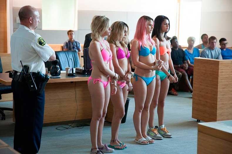 Ashley-Benson-Vanessa-Hudgens-Rachel-Korine-Selena-Gomez-Spring-Breakers