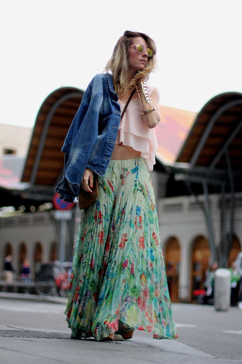 Fashion_blogger_Barcelona-cuines_Santa_Caterina-long_skirt-outfit-streetstyle-3