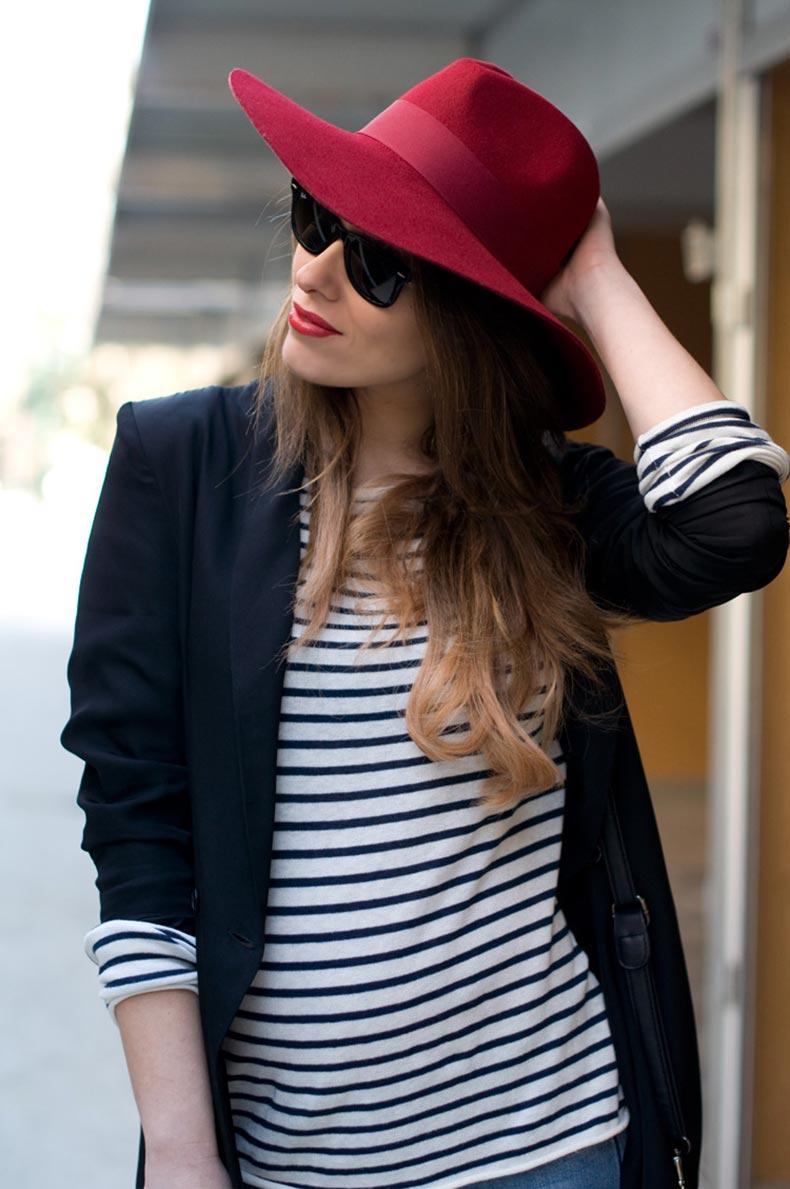 1-stripes-boyfriend_jeans-blazer-fedora_hat-maternity-pregnancy-street_style_zpscecad6bc