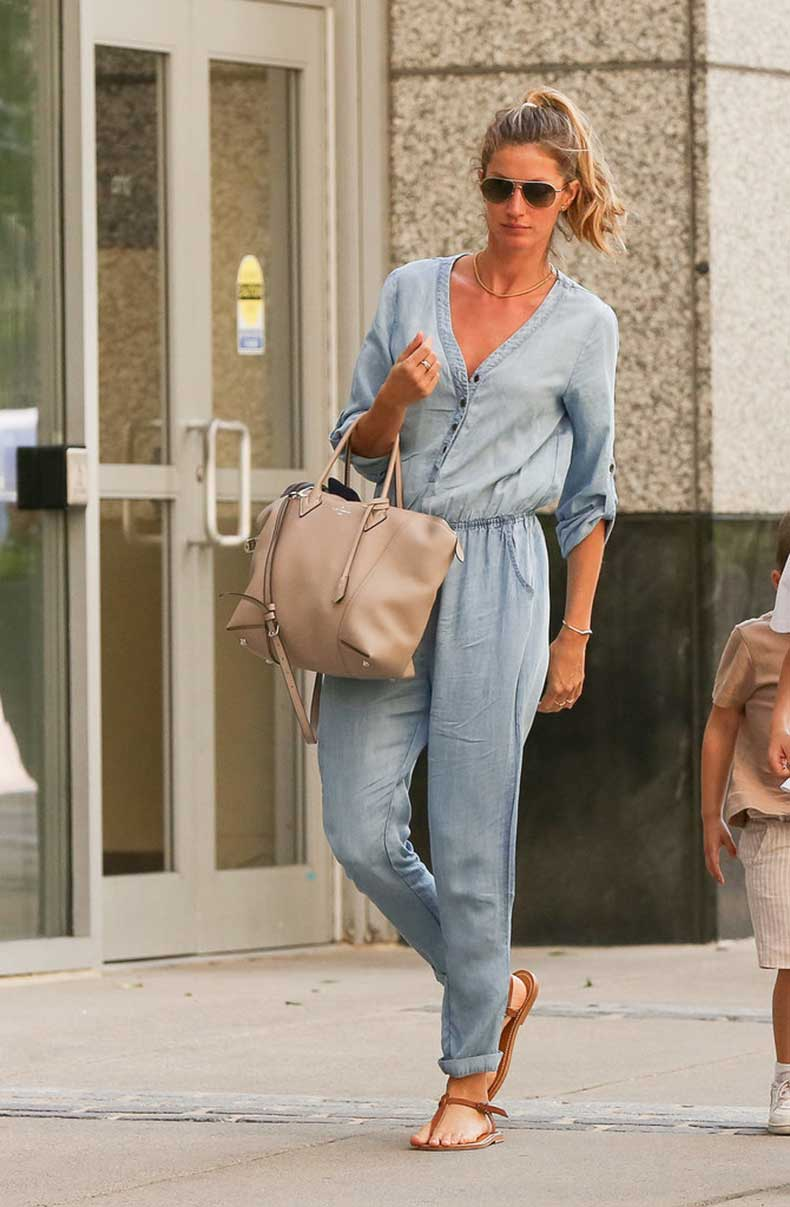 Gisele-Bündchen-Carrying-Louis-Vuitton