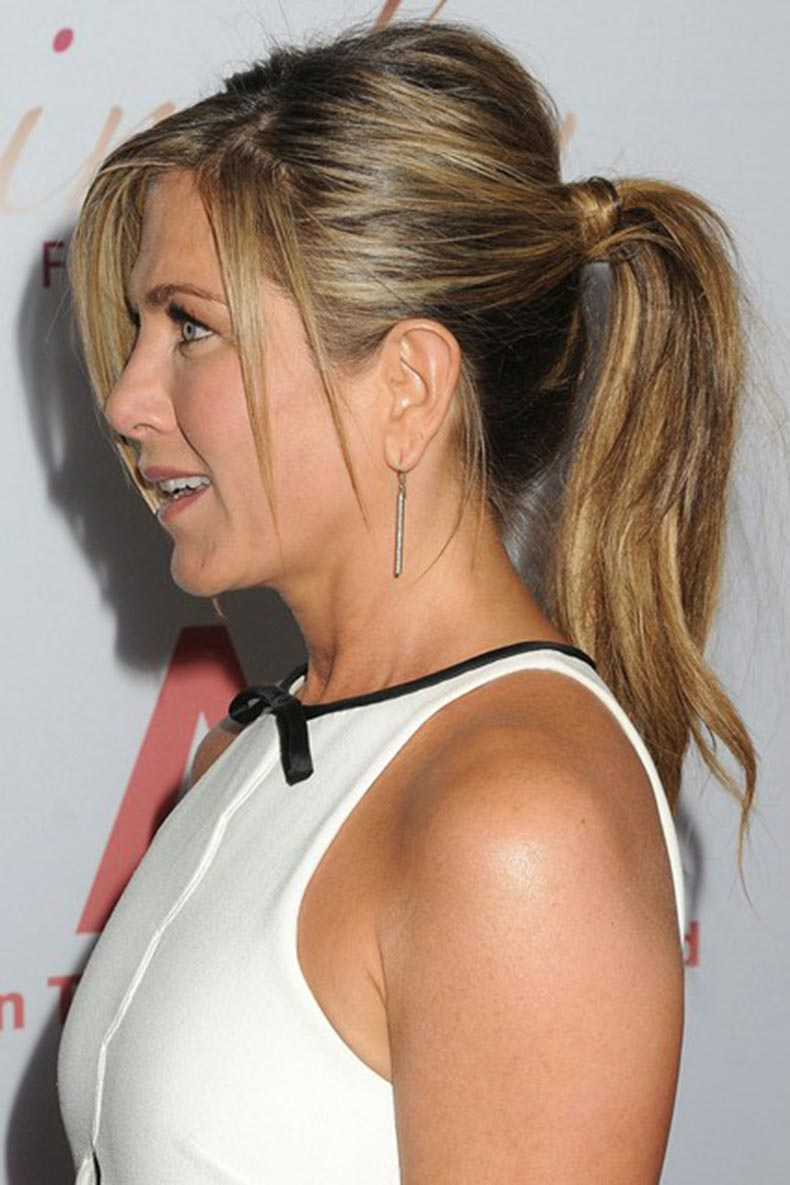 Jennifer-Aniston_glamour_15jan15_rex_b_426x639