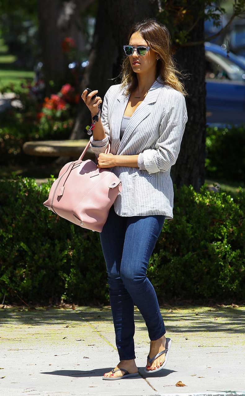 Jessica-Alba-Carrying-Louis-Vuitton
