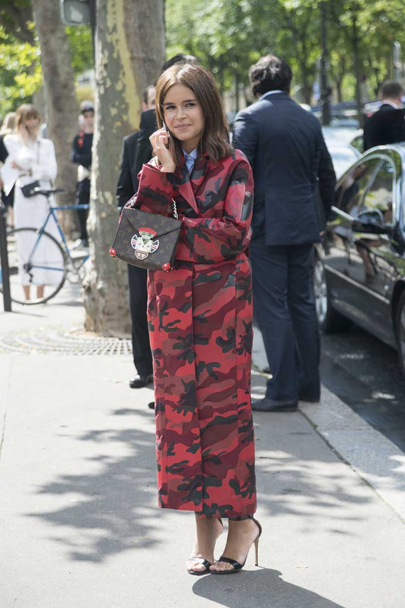 Miroslava-Duma-Carrying-Louis-Vuitton