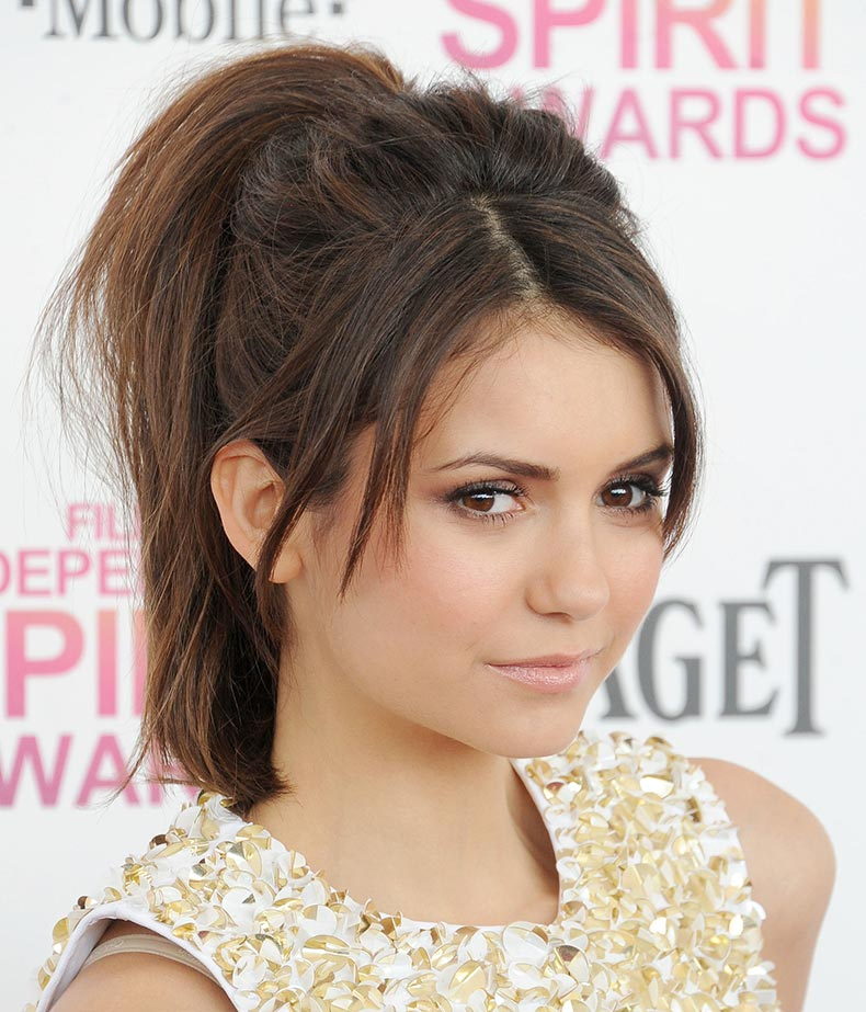 Nina-Dobrev-showed-us-perfect-way-wear-casual-updo