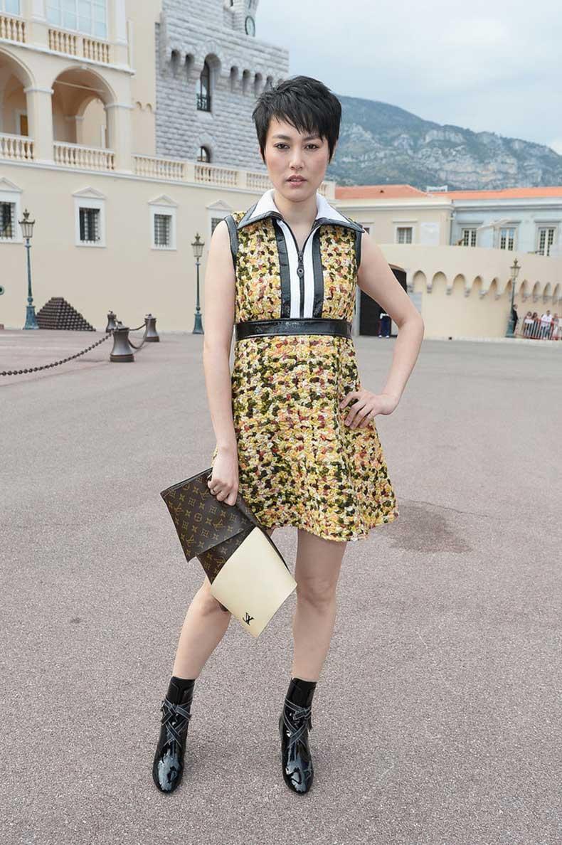 Rinko-Kikuchi-Carrying-Louis-Vuitton