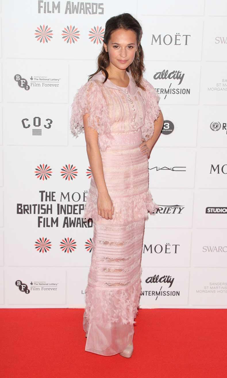 alicia-vikander-pink-dress