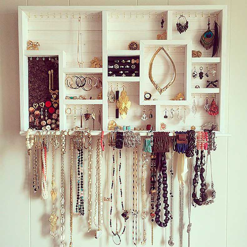 d5Organizing-your-jewelry-chic-unexpected-ways-does-wonders-trust