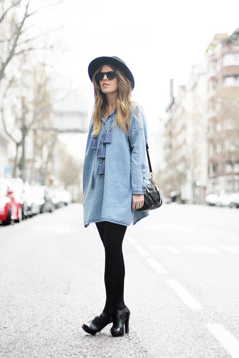 hm-denim-folk-dress-street-style-1_zps1169e5d1