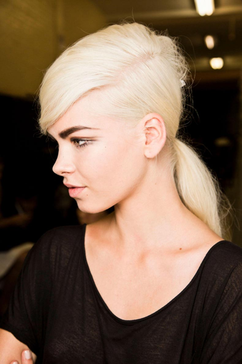 marc-jacobs-deep-side-part-ponytail-h724
