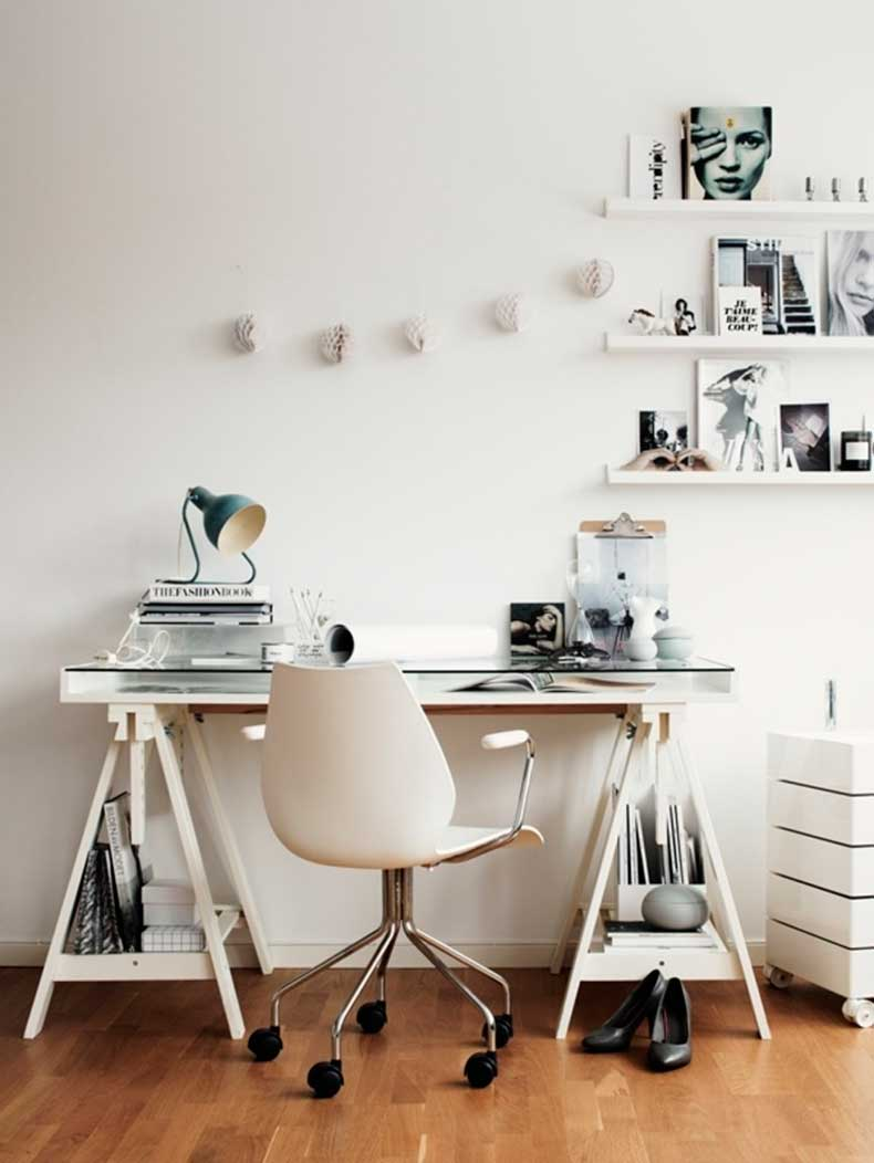 studded-hearts-home-office-work-space-minimal